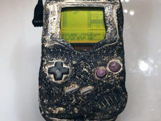 Game Boy überlebt Bombeneinschlag